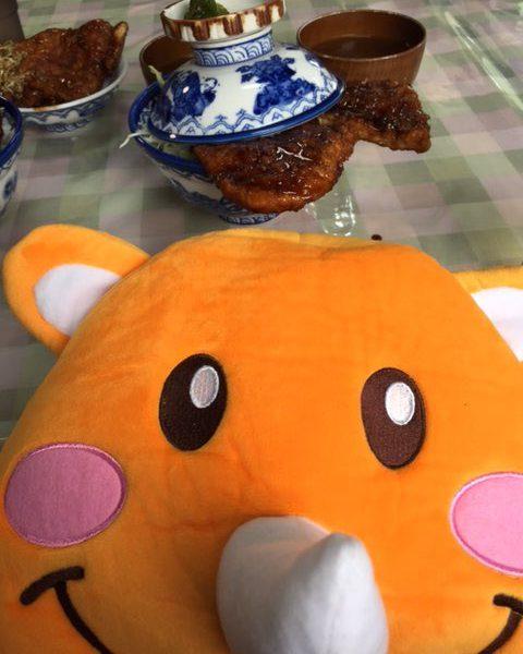 【ツノっちとソースカツ丼】